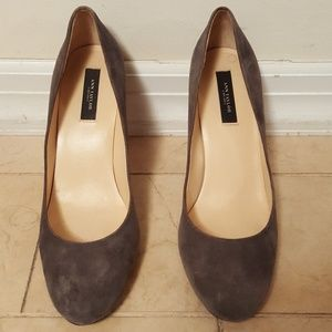 ANN TAYLOR Women's Gray Suede Shoes Pumps Heels